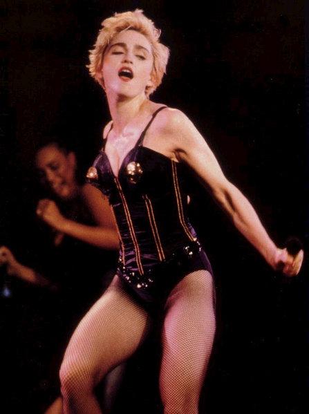 2 WHO S THAT GIRL 1987 - Мадонна и ее туры: самые яркие образы за 20 лет
