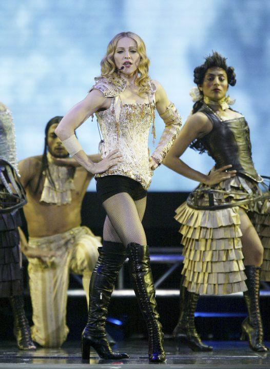 6 RE INVENTION 2004 - Мадонна и ее туры: самые яркие образы за 20 лет