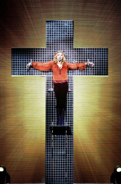 7 CONFESSIONS 2006 - Мадонна и ее туры: самые яркие образы за 20 лет