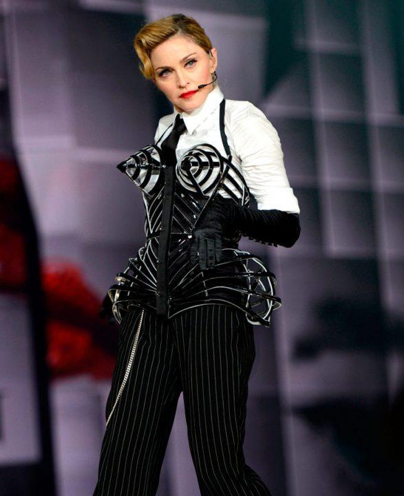 9 MDNA 2012 - Мадонна и ее туры: самые яркие образы за 20 лет