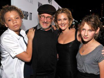 Дочь Стивена Спилберга станет звездой фильмов для взрослых
