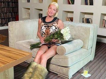 Волочкова подскользнулась на своем платье и упала