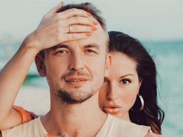 Нюша растрогала поклонников нежным фото с мужем