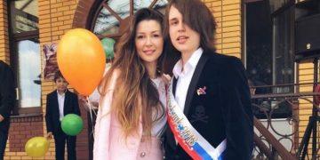 Дочь Анастасии Заворотнюк опубликовала редкое фото с братом