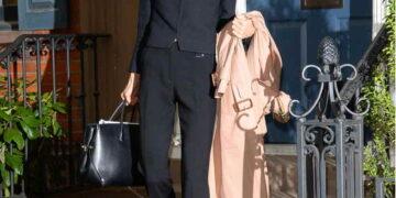 Амаль Клуни и её образы, которые отлично подходят современным женщинам для офиса и работы